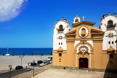 santuarios_Basilica de Candelaria church in Tenerife at Canary Islands