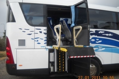 bus_with_wheelchair_lift